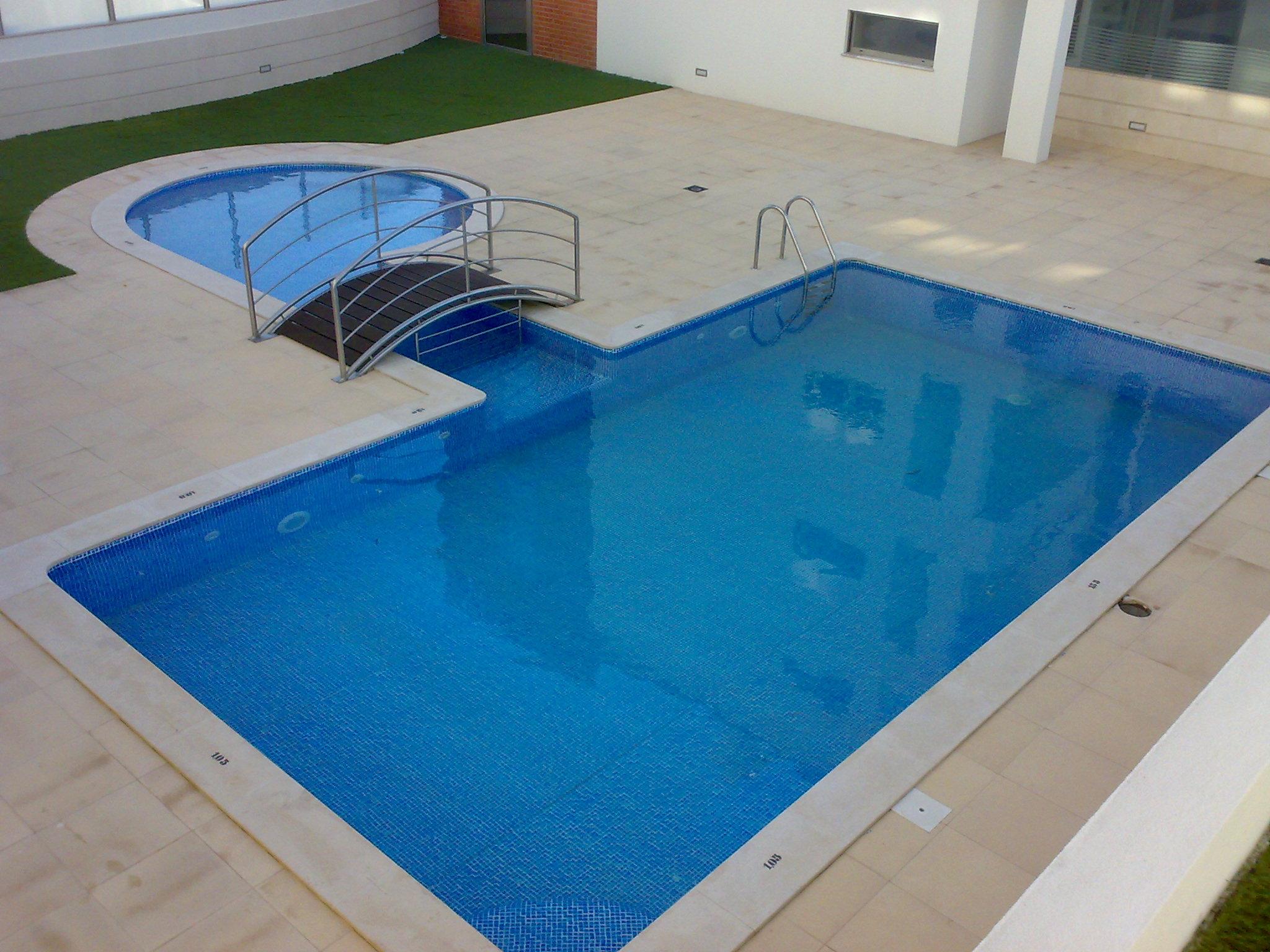 Piscinas brand o constru o piscinas spa 39 s e saunas for Liner para piscinas desmontables